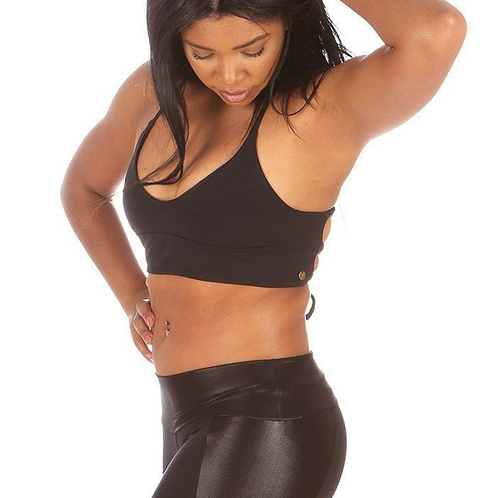 Viento_Crop_Black_Top_Negro_Mika_Yoga_Wear_Spain_Mika_Pole_Wear_Dance_Wear_Fitness_Wear (8)