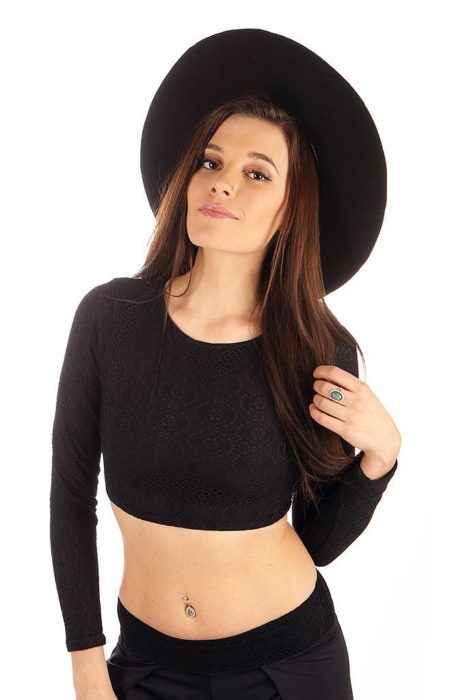 179edb2835bda Yimaya Crop Top